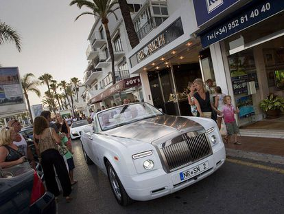 The cash limit for purchases by non-residents stands at €15,000.