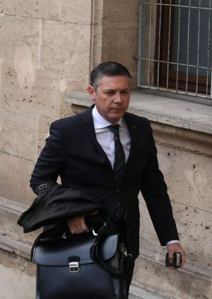 Lawyer Francisco José Carvajal Jiménez arriving at the Palma de mallorca courthouse for Princess Cristina's testimony.