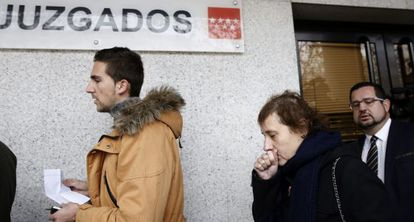Nursing assistant Teresa Romero walking into a Madrid courthouse on Wednesday.