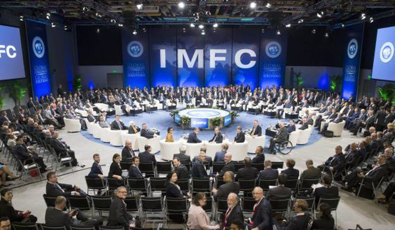 Reunión de ministros de Finanzas y gobernadores de bancos centrales durante la Asamblea Anual del FMI celebrada en Lima.