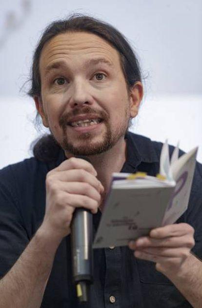Podemos leader Pablo Iglesias presenting his campaign platform.