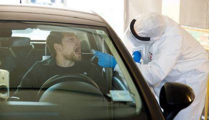 A rapid coronavirus test in Tel Aviv (Israel).