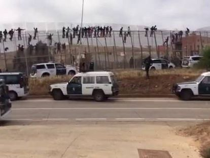 The latest mass attempt to jump the Melilla border.