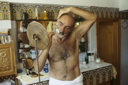 Connery shaving inside the bathroom of his Marbella home in September 1983.