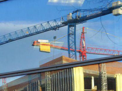 Construction cranes used to be a part of the Spanish landscape before the crisis.