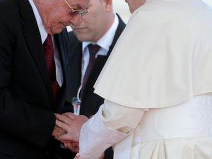 Cuban President Raúl Castro receives Pope Benedict XVI on Monday.
