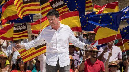 Manuel Valls at a pro-unity event in Palma de Mallorca.