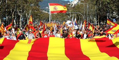 Participants at the pro-unity march in Barcelona on October29.
