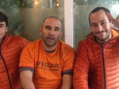 Freed Spanish firefighters Enrique González, Julio Latorre and Manuel Blanco.