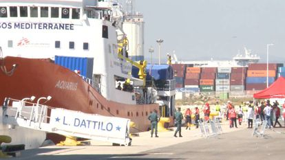 The Aquarius arriving at the port of Valencia on Sunday.