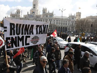A Madrid taxi driver protest in 2016.