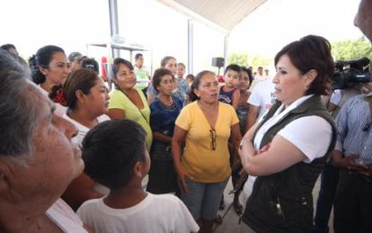 Rosario Robles (right) during a visit in Guerrero.