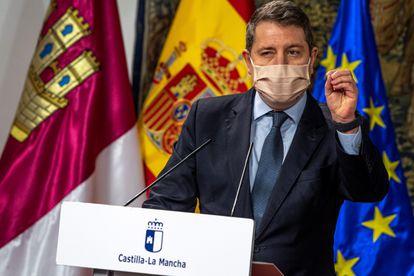 Castilla-La Mancha premier Emiliano García-Page at a news conference on Monday.