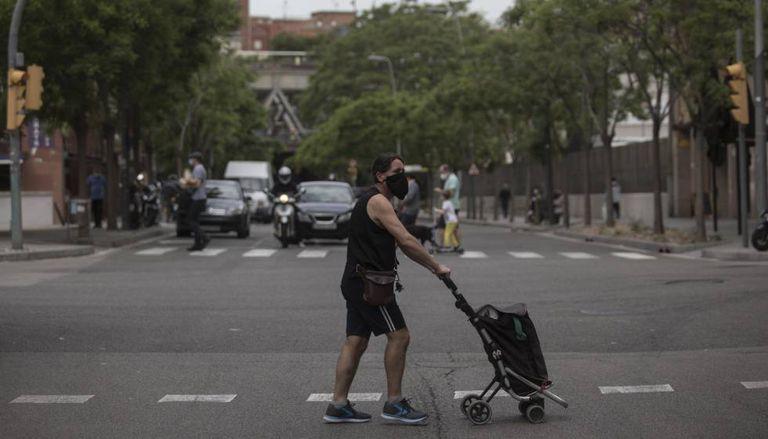 Constitució and Riera Blanca streets, the border between Barcelona and L'Hospitalet.