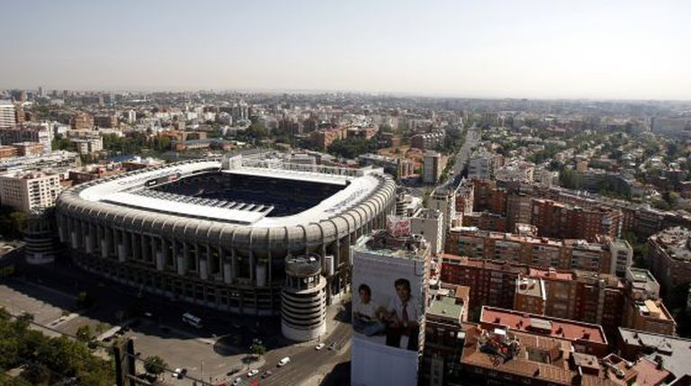 An aerial view of the Bernabéu stadium with the space slated for development in the foreground.