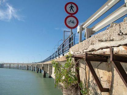 The old Jose León de Carranza bridge in Cádiz.