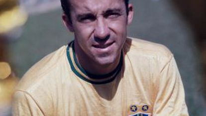 Tostão in a photograph from when he was on the Brazilian national team.