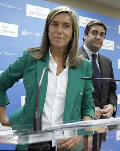 Health Minister Ana Mato at Wednesday's press conference.
