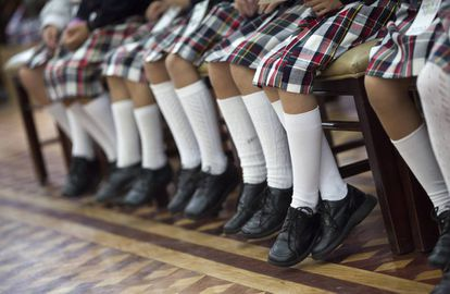 Female students in Valencia will no longer be forced to wear a skirt.