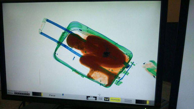 An X-ray image of Adau in the suitcase at the El Tarajal (Ceuta) border post in 2015.