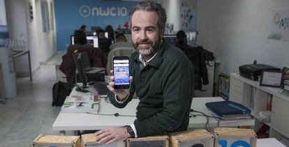 José Luis Cáceres in his project accelerator lab in Madrid