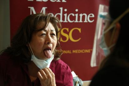 Spanish researchers say that an enlarged, swollen tongue is a symptom of the coronavirus.