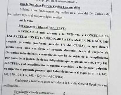 The ruling distributed by the journalist Verónica Ojeda.