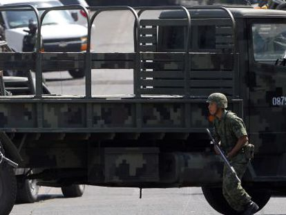 Mexican soldiers patrolling the streets of Guadalajara this month, part of an anti-drug operation in which various arrests were made.
