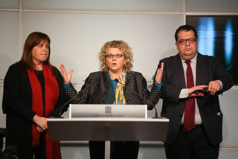 Nuria Ventura, Marina Geli and Joan Ignasi Elena after breaking party voting orders on January 16.