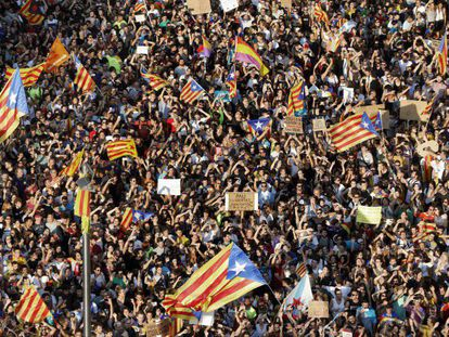 Thousands of people demonstrate during the general strike in Catalonia on October 3.