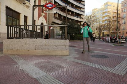 The site of the removed monument dedicated to former minister Enrique de la Mata by Madrid's Rubén Darío metro station.