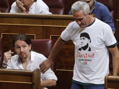 Podemos deputy Diego Cañamero with a protest shirt.
