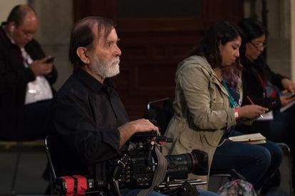 Producer Epigmenio Ibarra recording during López Obrador's daily briefing on June 9, 2020.