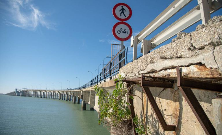 The old Jose León de Carranza bridge in Cádiz.