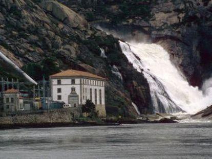 The Ézaro waterfall on the River Xallas.