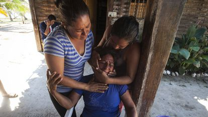 Video: Family members mourn the boy's death (Spanish narration).