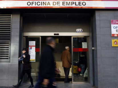 An unemployment office in the Madrid region.