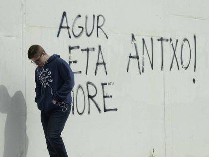 Anti-ETA graffiti.