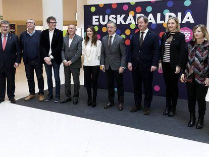 Basque Premier Iñigo Urkullu (center) during Sunday's Basque National Day celebrations.