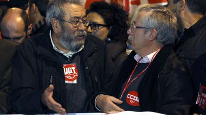 Labor leaders Cándido Méndez (left) and Ignacio Fernández Toxo at Wednesday's demonstration in Madrid.