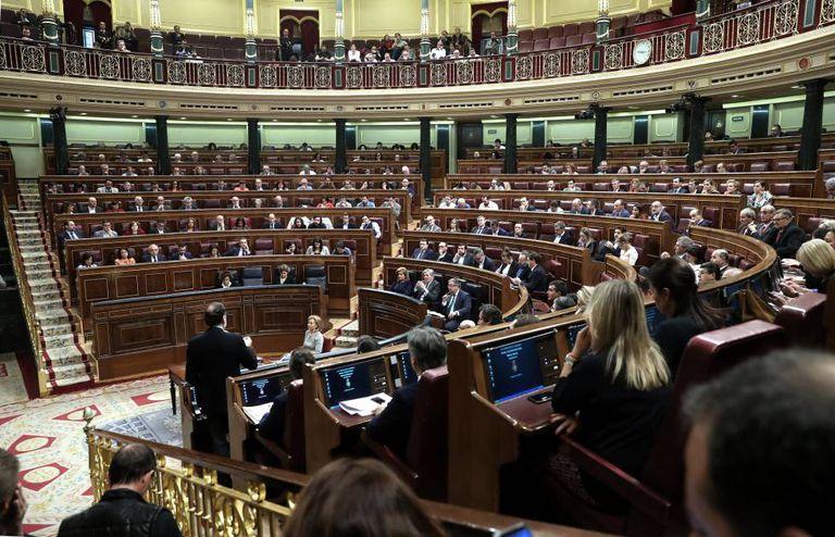 Spanish PM Mariano Rajoy addressing Congress.