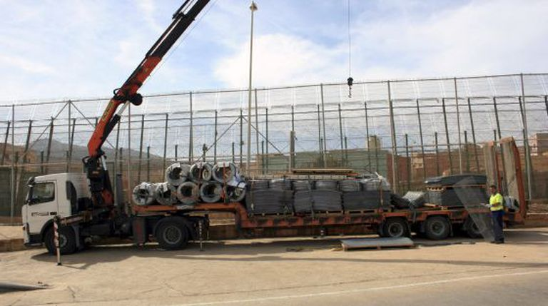 Civil Guard photograph of a truck and the new security elements being added to the fence in Melilla.