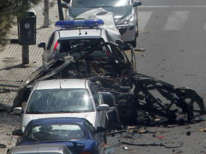 The aftermath of the ETA attack in Calvià in 2009, in which two civil guards were killed.
