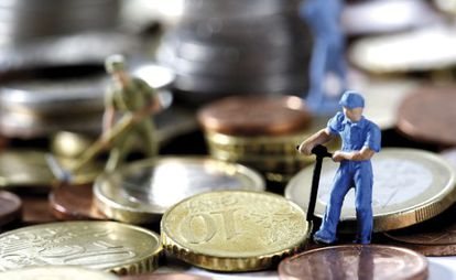 The annual average salary in Spain fell to its lowest level since 2007 last year.