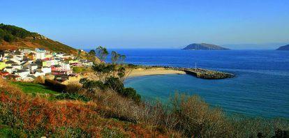 Porto de Bares boasts a Phoenician port and archeological remains.