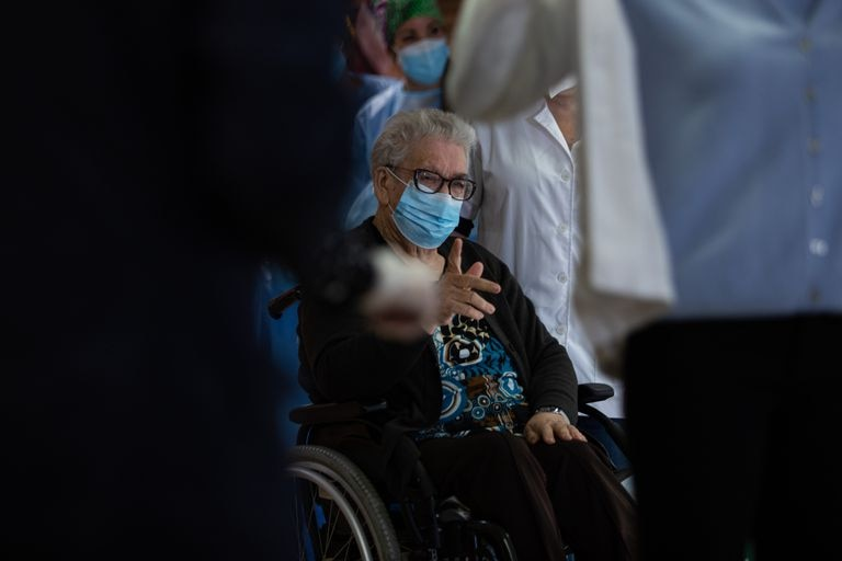 Josefa Pérez, 89, became the first woman in the Catalonia region to receive the Covid-19 vaccine on Sunday.