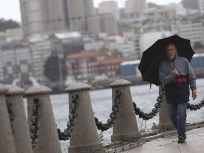 Heavy seas are expected off the Galician coast on Monday.