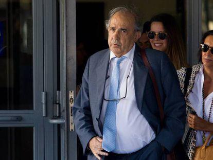 Professor Enrique Álvarez Conde is accused of misusing university funds.