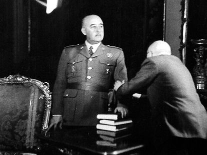 Newsreel footage of Franco.