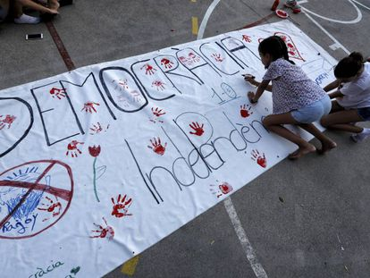 Students at a school in Barcelona in the days leading up to the October 1 referendum.
